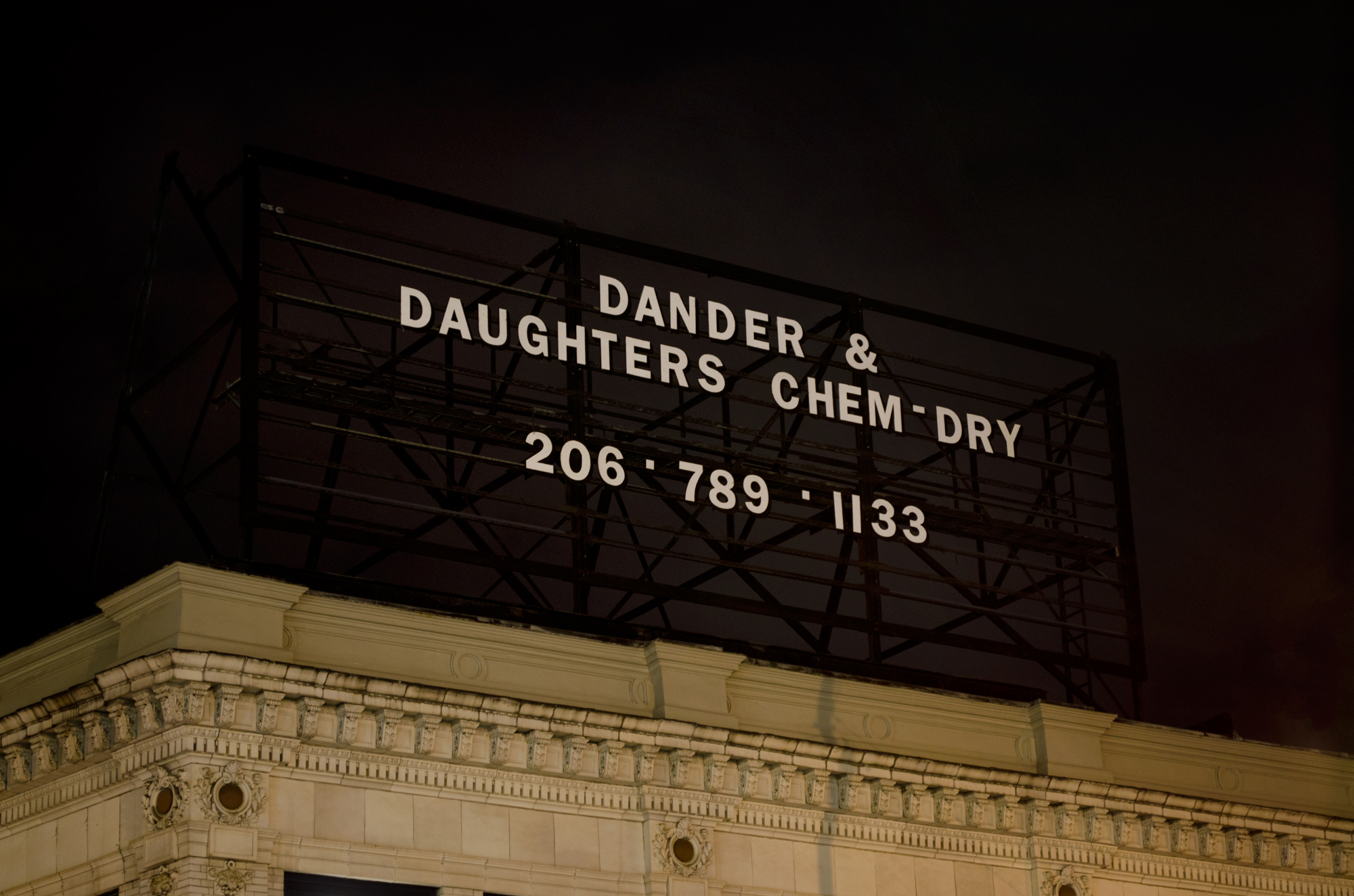 Dander & Daughters Chem-Dry